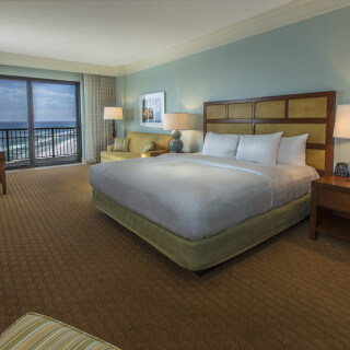 Emerald tower King guest room with beach view